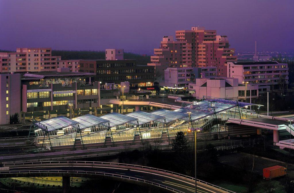 """Bochum, Stadtbahnhof """"Ruhr-Universität"""" an der U 35 (Bild: RMA-Architekten, Essen)"""