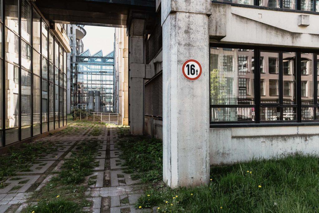Frankfurt am Main, ehemalige Bahnzentrale (Bild: Gregor Zoyzoyla, Mai 2021)