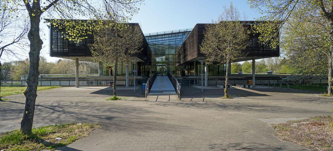 Karlsruhe, Gewerbeschule Durlach (Bild: Cordula Schulze, Mai 2021)