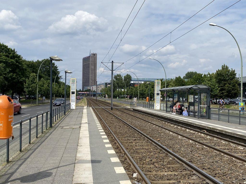 "Berlin-Marzahn, die ""Pyramide"" (Bild: Fabian Schmerbeck)"