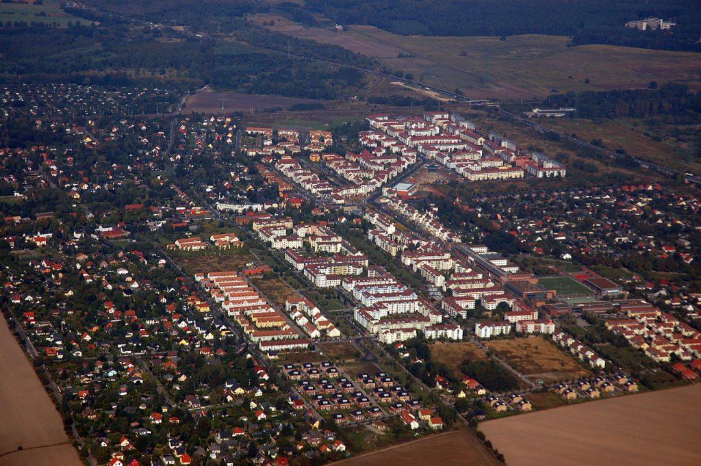 Berlin, Karow Nord, Luftbild (Bild: © Ralf Roletschek, GFDL oder CC BY SA 3.0, kein Facebook, 2009)